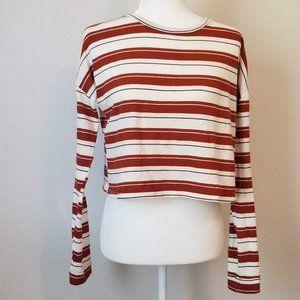 2/$25☀️3/$30Charlotte Russe Long Sleeve Crop Top